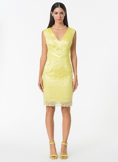 Esra Gürses Elbise Sarı
